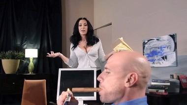 Порно оргазм девушки в офисе за столом смотреть онлайн бесплатно